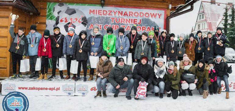 Lechia Tomaszów Mazowiecki zwycięża w Api Cup rocznik 2005.